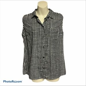 George black/white sleeveless button up top 12/14